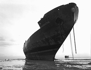 Claudio Cambon: Beached Russian Icebreaker, 1998
