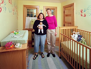 Dona Schwartz: Desiree and Karen, 68 days, 2006