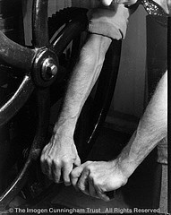 Imogen Cunningham: The Hands of Roi P At Press , 1930