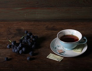 Justine Reyes: Still Life with Tea and Grapes