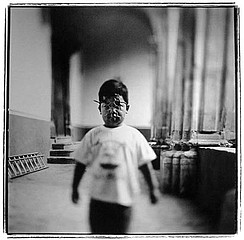 Keith Carter: Wire Mask, 1998