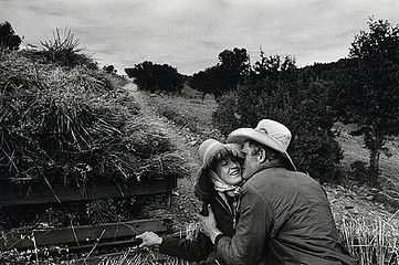 Larry Towell: Mennonite couple kissing., 1992